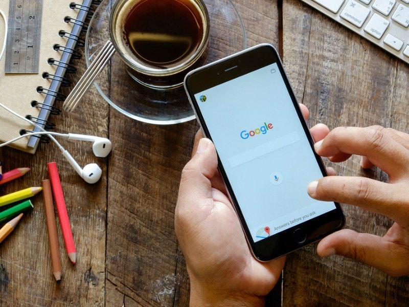 Com o Mobile First Index, o Google vai priorizar os dispositivos móveis para classificação de conteúdo nos rankings de pesquisa.